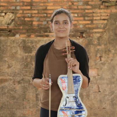 Violinista-Tania-Vera-disenosocial